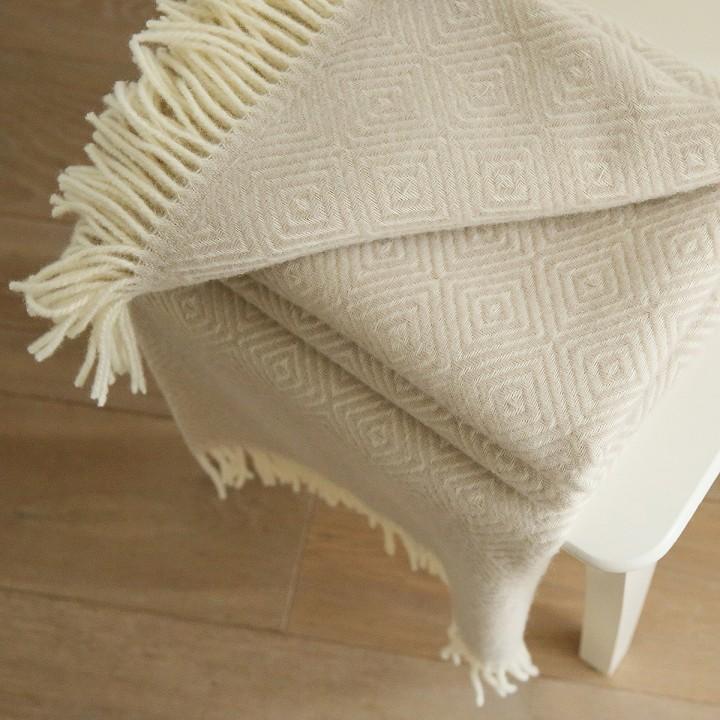 Beige Merino Wool Throw Rhomb