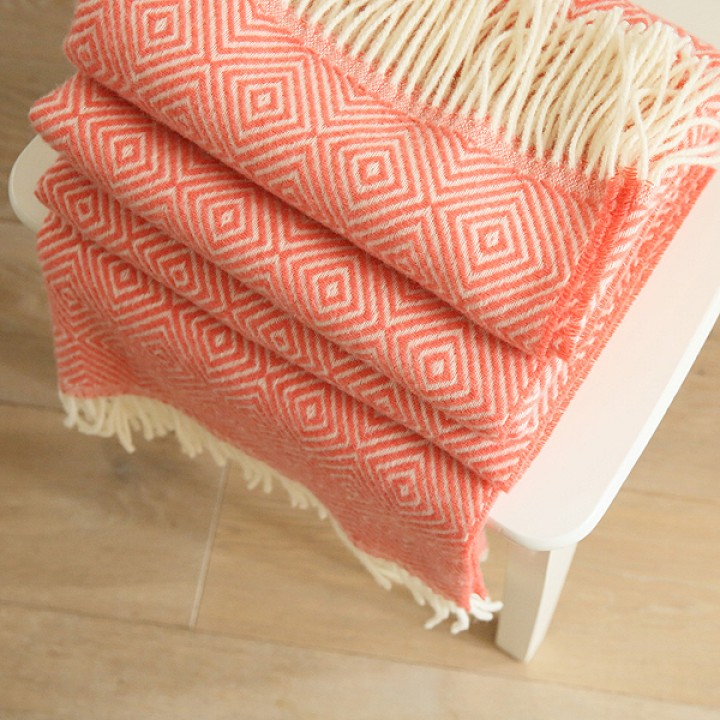 Coral Merino Wool Throw Rhomb