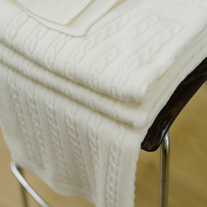 Off White Merino Throw Alessandra