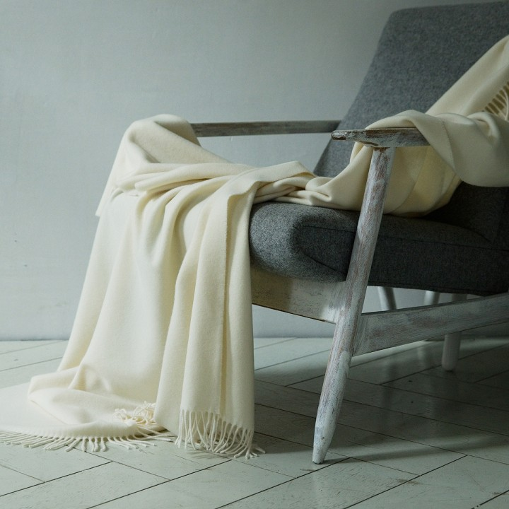 100% Cashmere Throw Everest Ivory