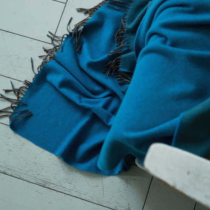 100% Cashmere Throw Emilio Turquoise