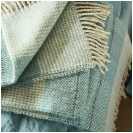 Different Types of Wool Throws for Chilly Afternoons - Woolme News