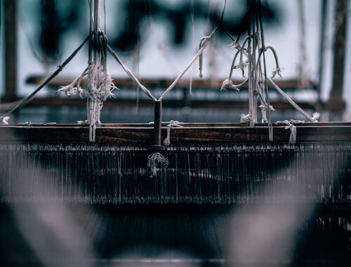 weaving-loom-yarn